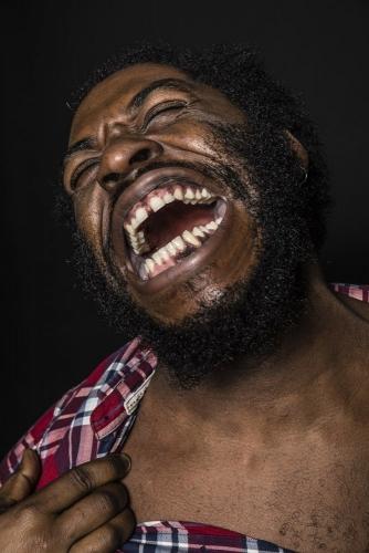 Portrait expressif, en studio avec larry Benzaken | Philippe DUREUIL Photographie