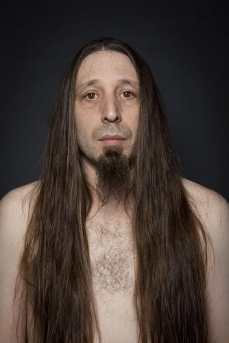 Portrait d'Ingo torse nu en studio | Philippe DUREUIL Photographie