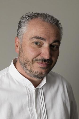 Photographie de portrait en studio du chef Stéphane Rossillon au restaurant Les Avisés, Domaine Jacques Selosse en Champagne, Corinne & Anselme Selosse | Philippe DUREUIL Photographie