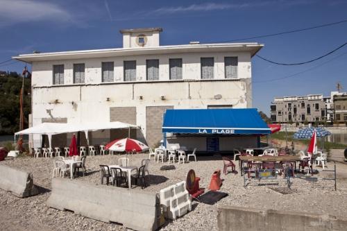 Photographie de la vie quotidienne. Bar La Plage. | Philippe DUREUIL Photographie
