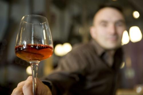 Dégustation de vin au restaurant. | Philippe DUREUIL Photographie