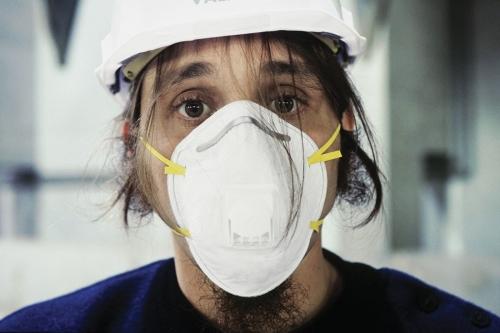 Portrait d'un homme portant un masque de protection pour lutter contre l'épidémie de Coronavirus | Philippe DUREUIL Photographie